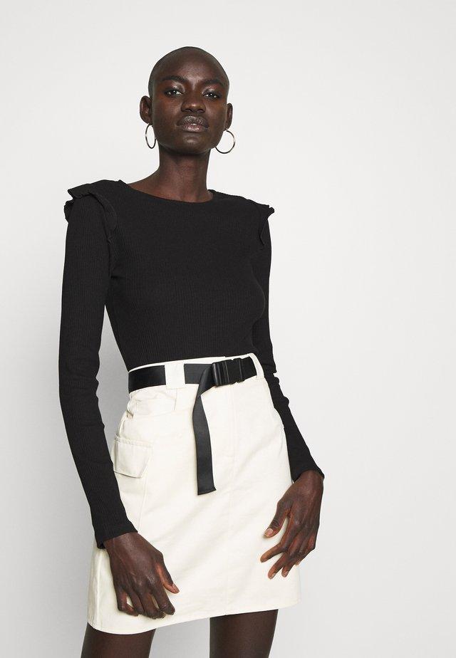 VMAVA R-NECK BLOUSE FRILLS VIP - Long sleeved top - black
