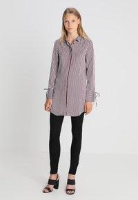 Vero Moda Tall - VMDECADENT LONG SHIRT - Blusa - cashmere blue - 1