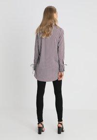 Vero Moda Tall - VMDECADENT LONG SHIRT - Blusa - cashmere blue - 2