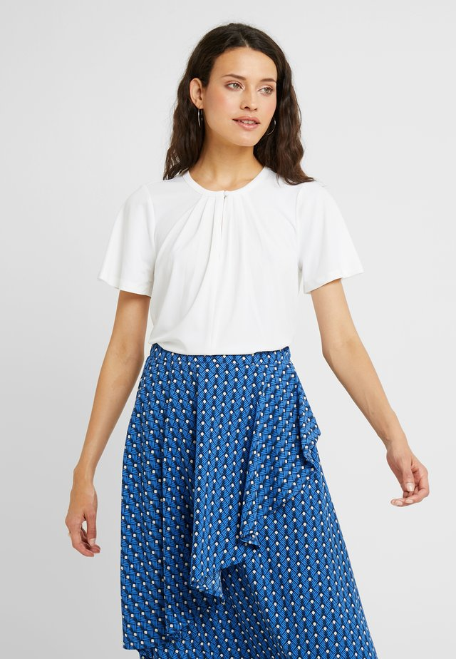 VMMILLA BUTTON - T-Shirt print - snow white