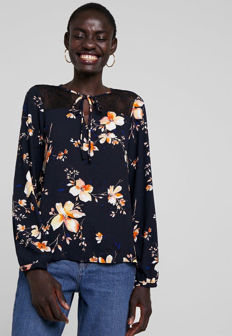 Vero Moda Tall - VMREEDA BLOUSE - Bluse - navy blazer