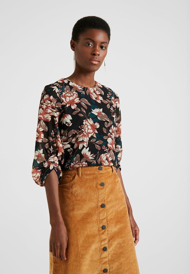 Vero Moda Tall - VMWILMA - Bluse - black