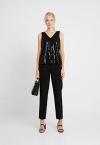 Vero Moda Tall - VMDAISY - Blouse - black/sequins - 1