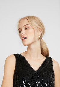 Vero Moda Tall - VMDAISY - Blouse - black/sequins - 3