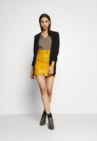 Vero Moda Tall - VMNADIA BUTTON  - Bluser - bungee cord - 1