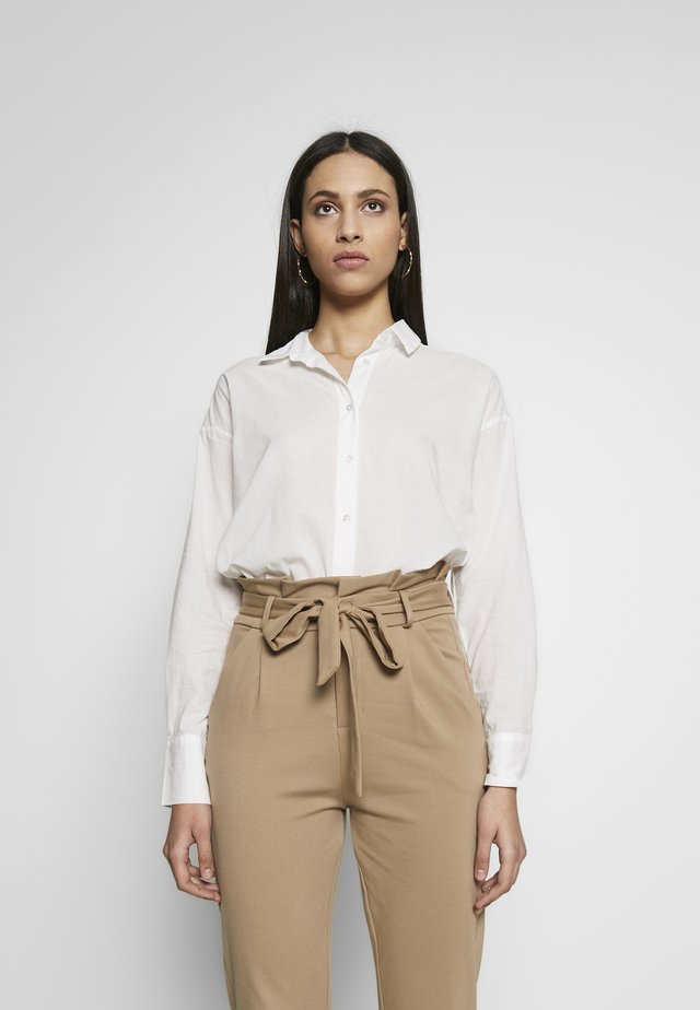 VMINDIA LOOSE SHIRT TALL - Bluzka - snow white