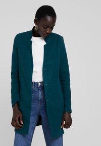 Vero Moda Tall - VMBRUSHED KATRINE  - Krátký kabát - ponderosa pine - 0