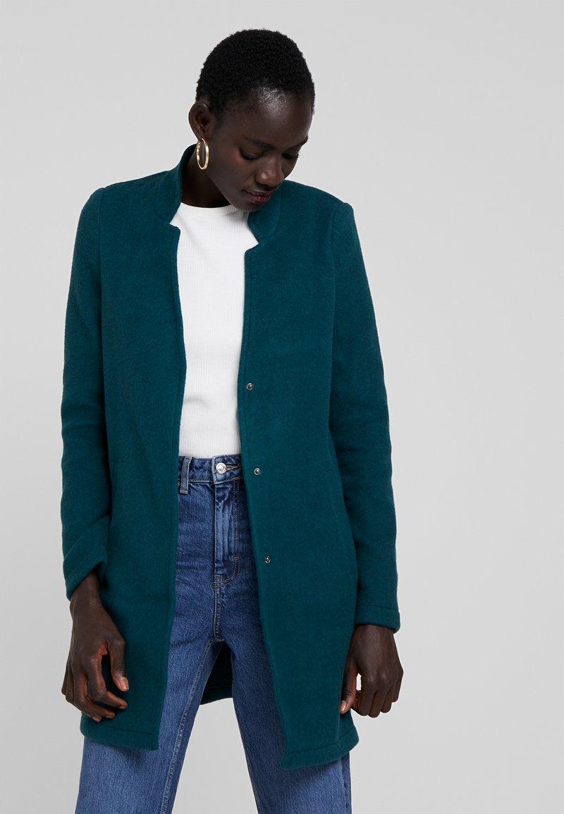 Vero Moda Tall - VMBRUSHED KATRINE  - Krátký kabát - ponderosa pine