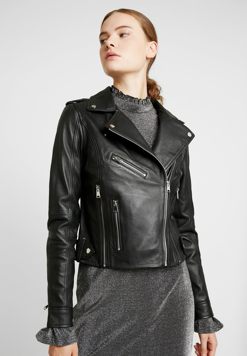 Vero Moda Tall - VMJOSEFINE SHORT JACKET - Lederjacke - black