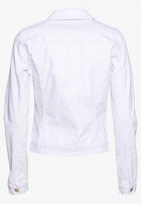 Vero Moda Tall - VMHOT SOYA JACKET - Jeansjakke - bright white - 1