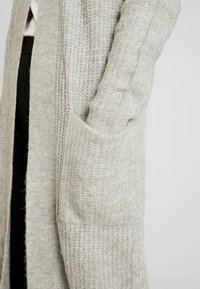 Vero Moda Tall - VMCORA LONG OPEN CARDIGAN - Cardigan - light grey melange - 4