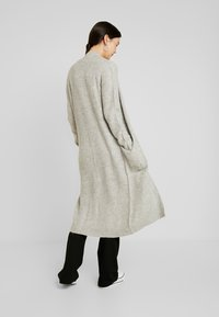 Vero Moda Tall - VMCORA LONG OPEN CARDIGAN - Cardigan - light grey melange - 2