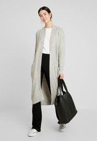 Vero Moda Tall - VMCORA LONG OPEN CARDIGAN - Cardigan - light grey melange - 1