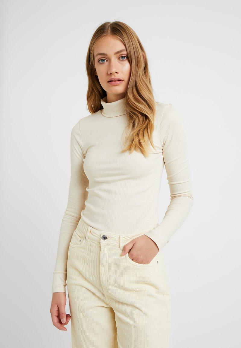 Vero Moda Tall - VMIRINA ROLLNECK - T-shirt à manches longues - birch