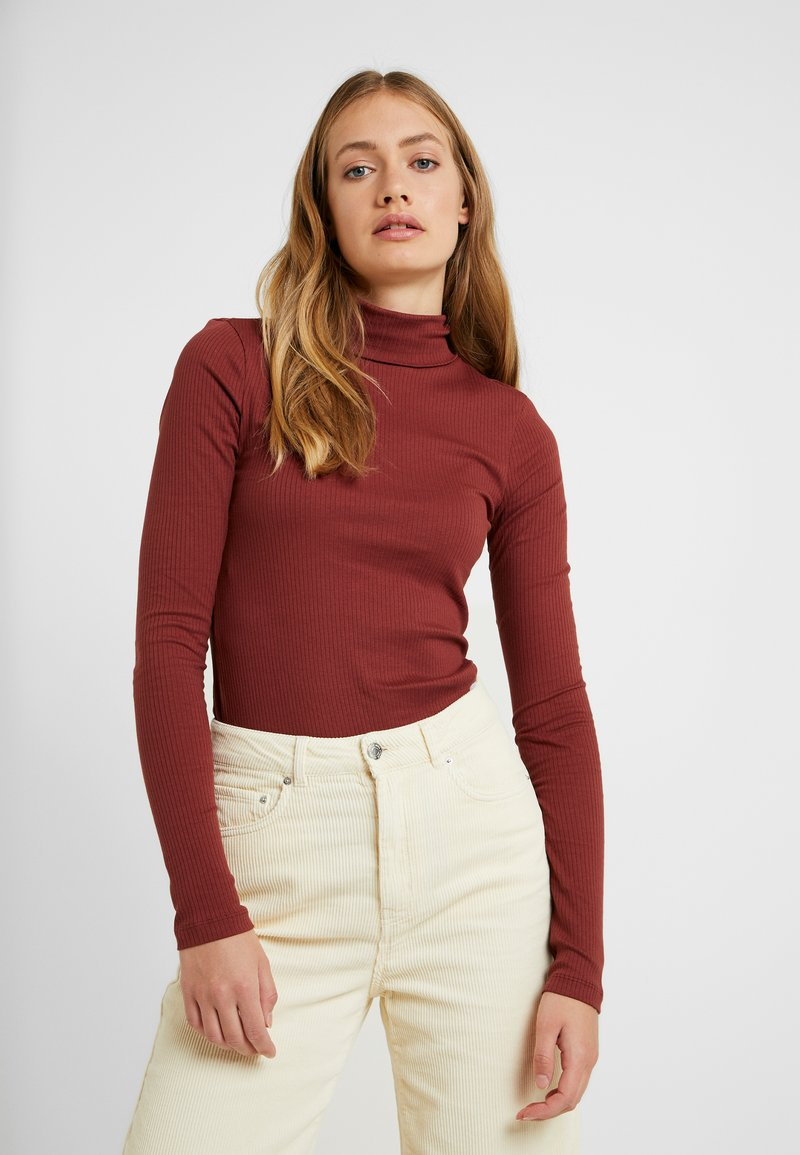 Vero Moda Tall - VMIRINA ROLLNECK - Long sleeved top - madder brown