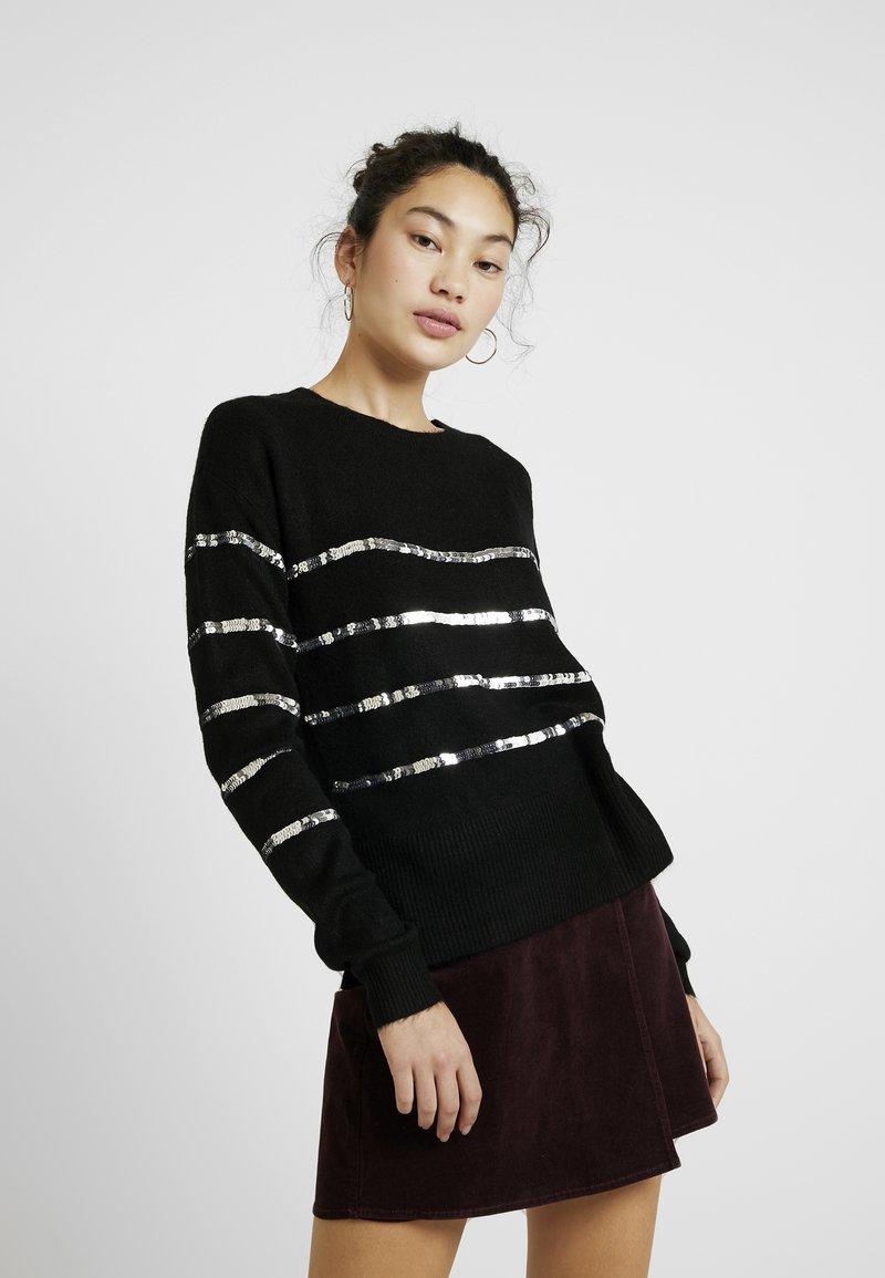 Vero Moda Tall - VMBRANA SEQUINS O NECK - Jumper - black/silver
