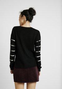 Vero Moda Tall - VMBRANA SEQUINS O NECK - Jumper - black/silver - 2