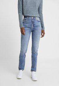 Vero Moda Tall - VMSELENA TAPERED - Slim fit jeans - medium blue denim - 0