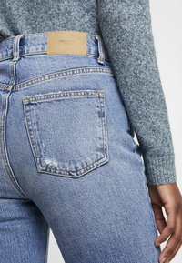 Vero Moda Tall - VMSELENA TAPERED - Slim fit jeans - medium blue denim - 3