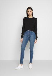 Vero Moda Tall - VMSOPHIA SKINNY TALL - Jeans Skinny - light blue denim - 1