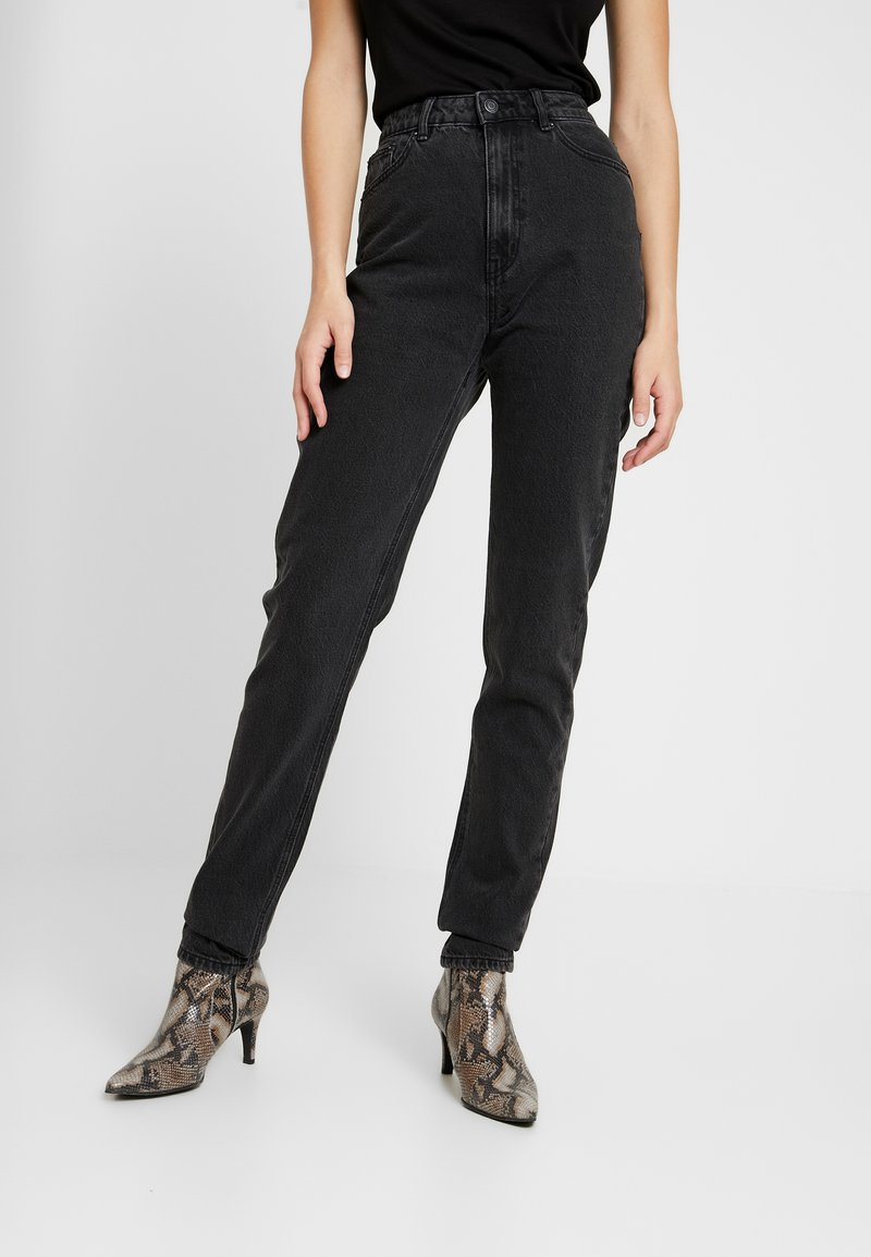 Vero Moda Tall - VMJOANA MOM LOOSE  - Straight leg jeans - black