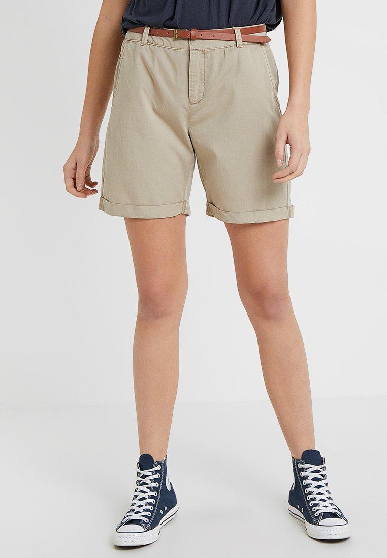 Vero Moda Tall - VMFLASH  - Shorts - taupe