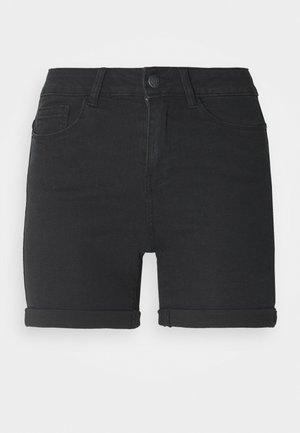 VMHOT SEVEN FOLD TALL - Jeansshorts - medium blue denim/black