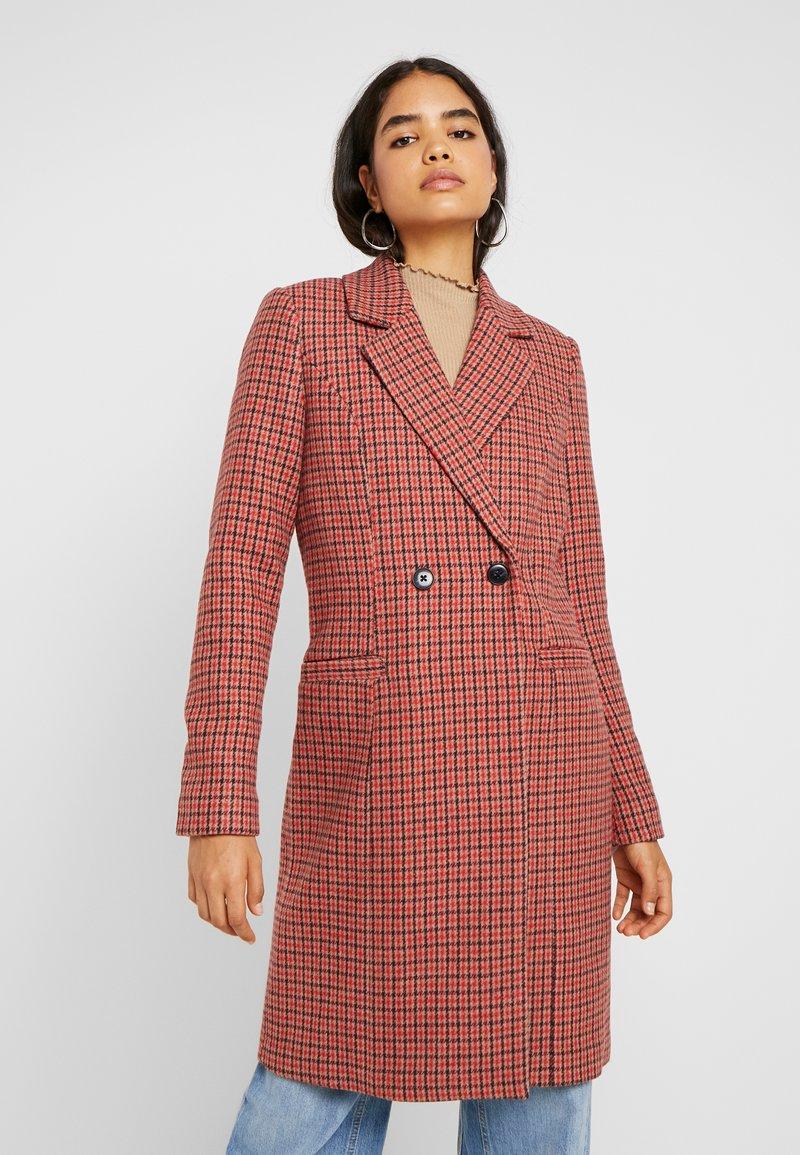 Vero Moda Tall - VMCHECK RAMBLA - Classic coat - high risk red
