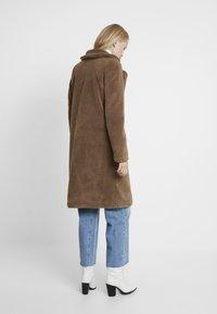 Vero Moda Tall - VMHOLLY - Zimní kabát - tobacco brown - 2