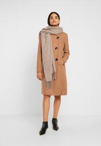 Vero Moda Tall - VMDANIELLA LONG JACKET - Cappotto classico - tobacco brown - 1