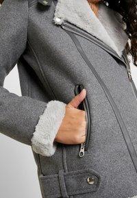 Vero Moda Tall - VMFURRY JACKET - Lett jakke - medium grey melange - 5