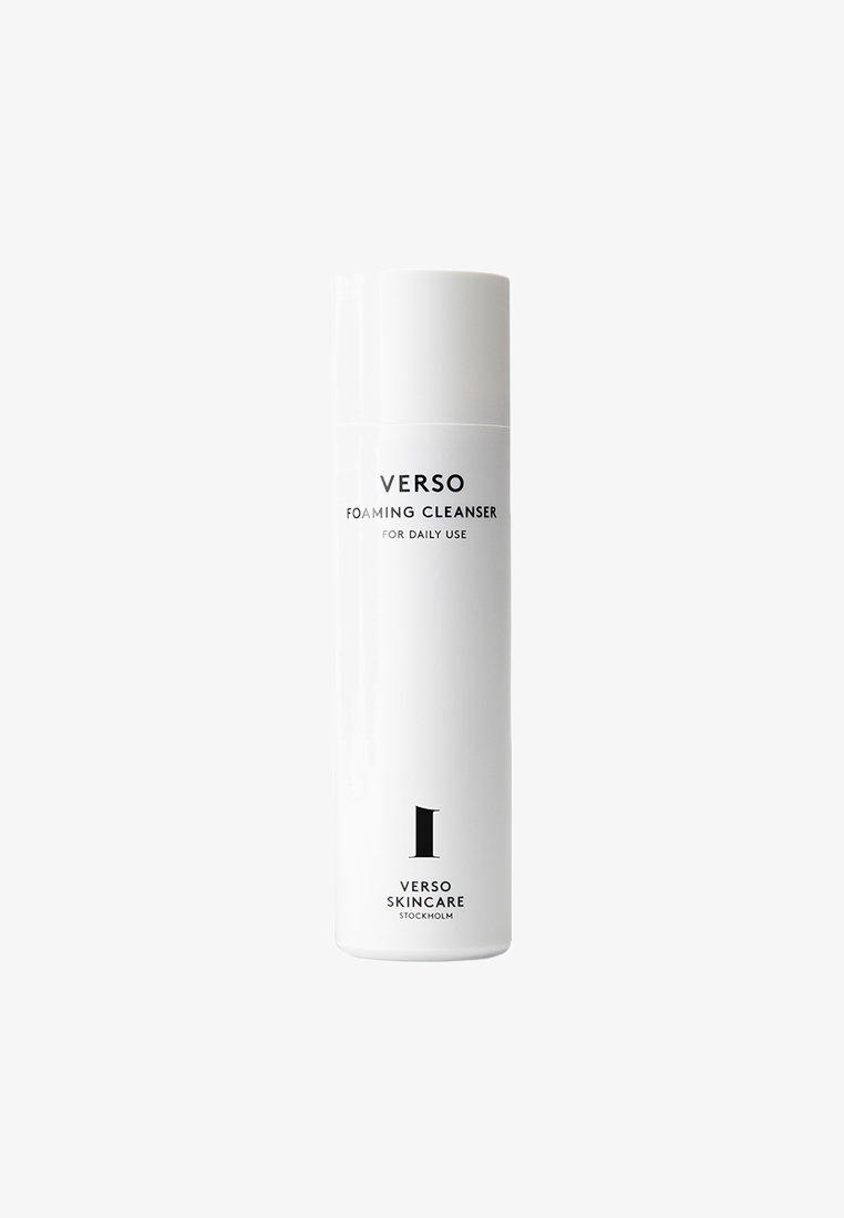 VERSO skincare - FOAMING CLEANSER 90ML - Oczyszczanie twarzy - neutral