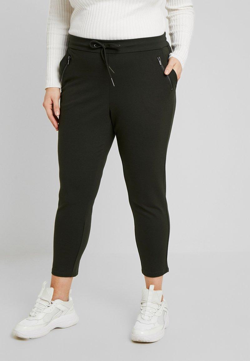 Vero Moda Curve - VMEVA MR LOOSE STRING ZIPPER PANT - Pantalon de survêtement - peat