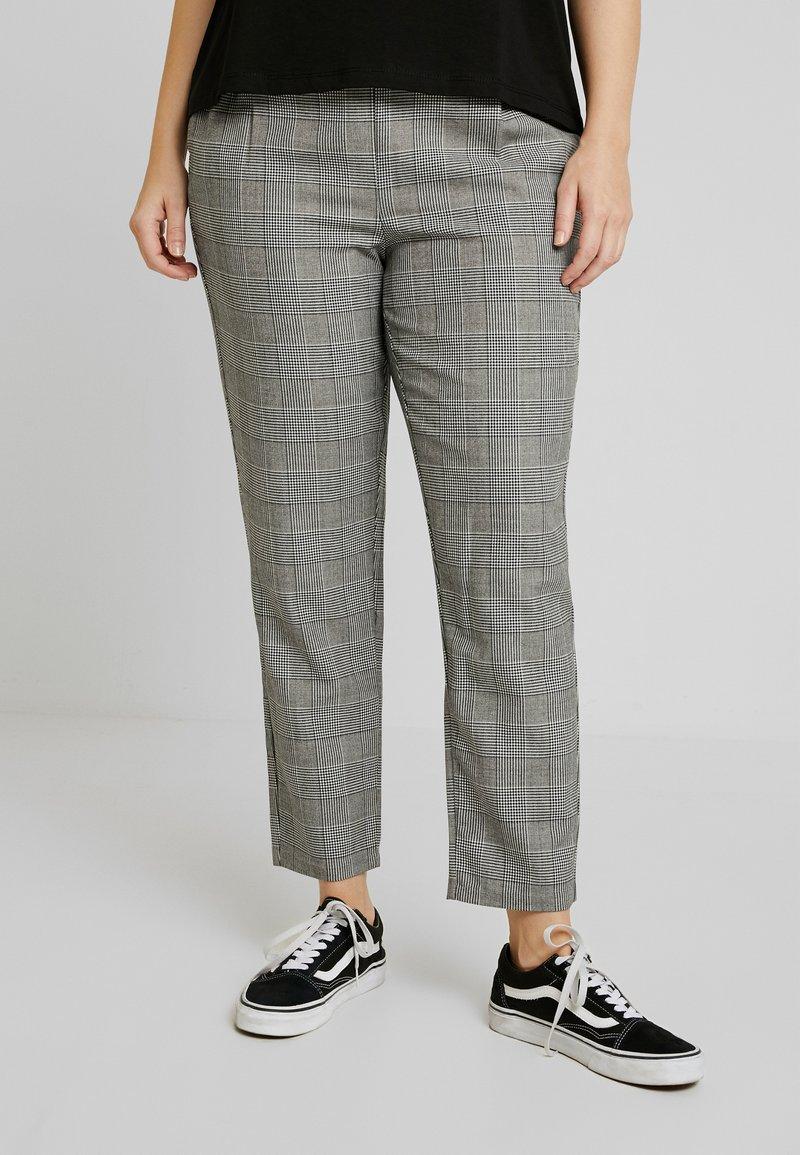 Vero Moda Curve - VMEVA LOOSE STRING CHECKED PANT - Trousers - grey/white