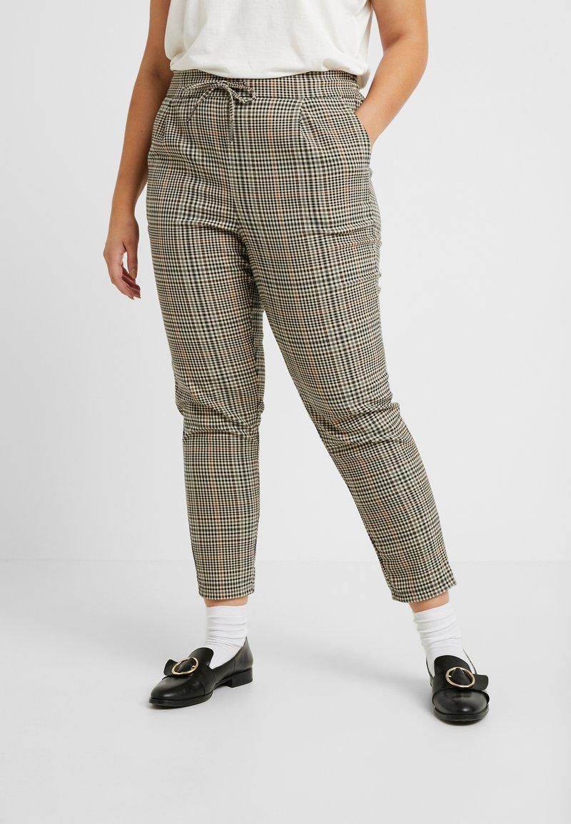 Vero Moda Curve - VMEVA LOOSE STRING CHECK PANT - Trousers - tobacco brown/multi