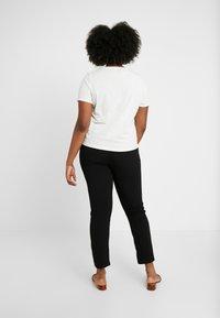Vero Moda Curve - Pantalones - black - 3
