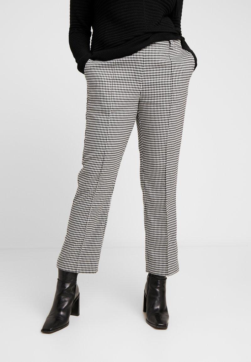 Vero Moda Curve - VMMAISELMA PANT - Pantalones - black