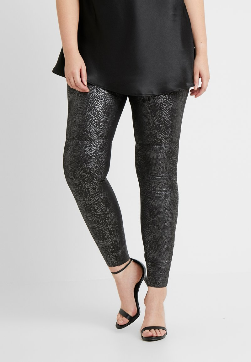 Vero Moda Curve - VMDESTROY SNAKE - Leggings - black