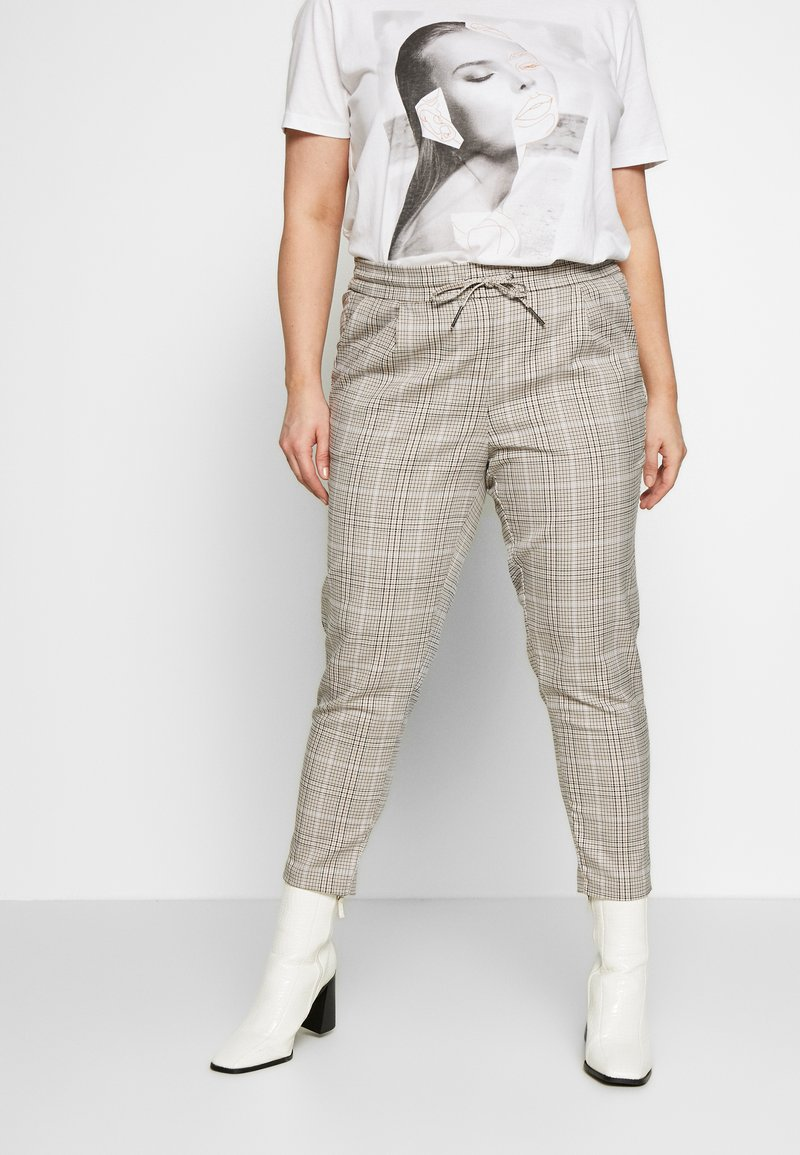 Vero Moda Curve - VMEVA MR LOOSE STRING CHECK - Pantalon classique - silver mink/birch/light blue/black