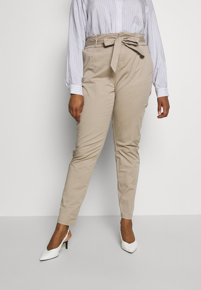 VMEVA LOOSE PAPERBAG COT  - Trousers - beige