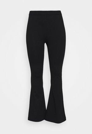 VMKAMMA FLARED PANT - Bukser - black