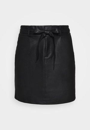 VMEVA PAPERBAG SHORT COATED - Mini skirt - black