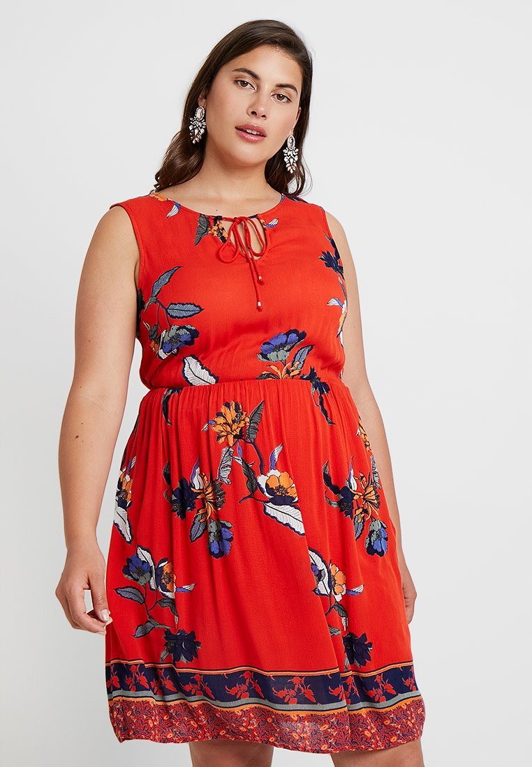 Vero Moda Curve - VMOLINA SHORT DRESS  - Freizeitkleid - fiery red