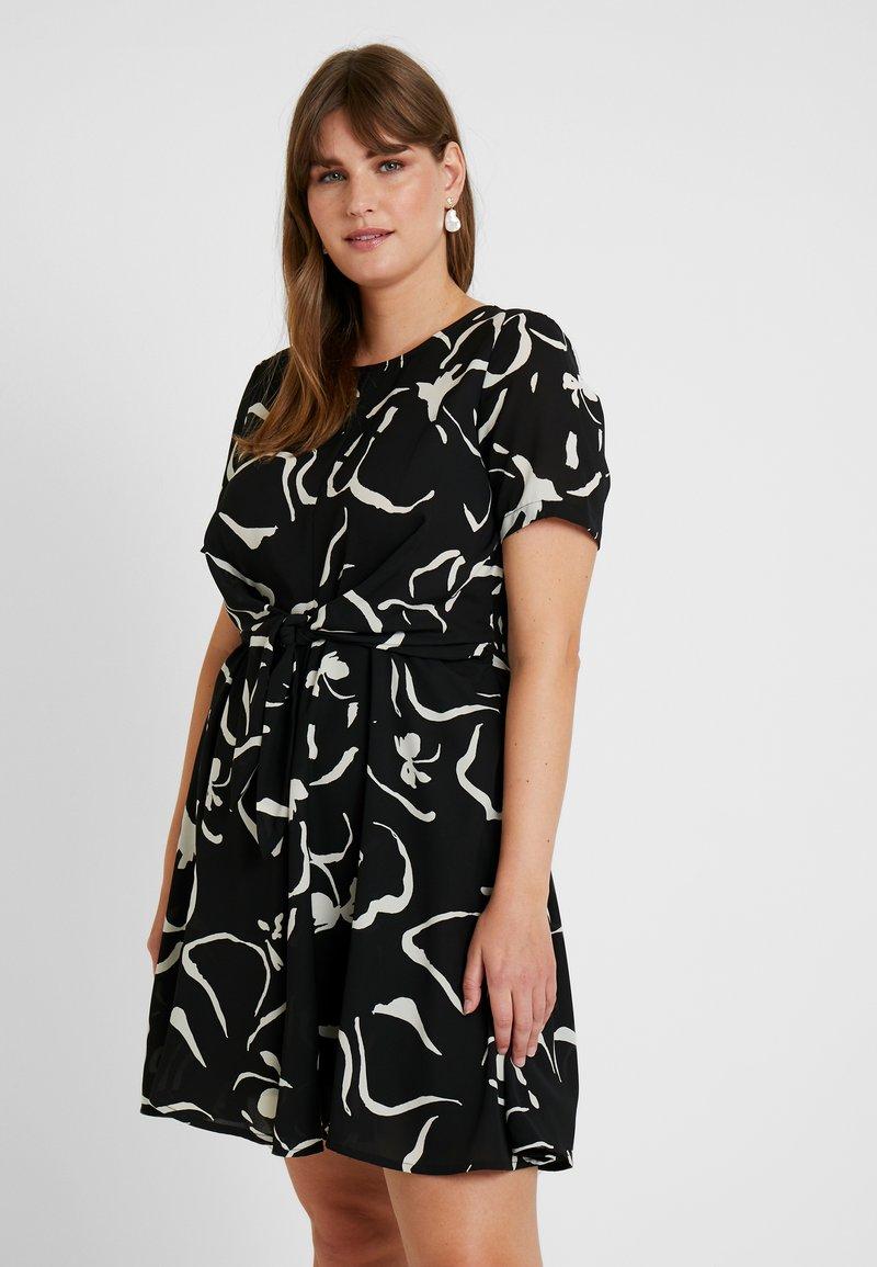 Vero Moda Curve - VMILONA SHORT DRESS - Day dress - black/ilona