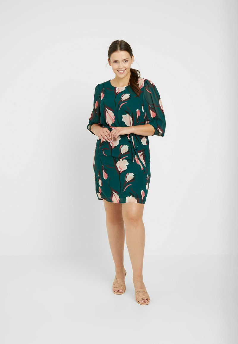 Vero Moda Curve - VMVERA O NECK SHORT DRESS - Day dress - ponderosa pine/vera
