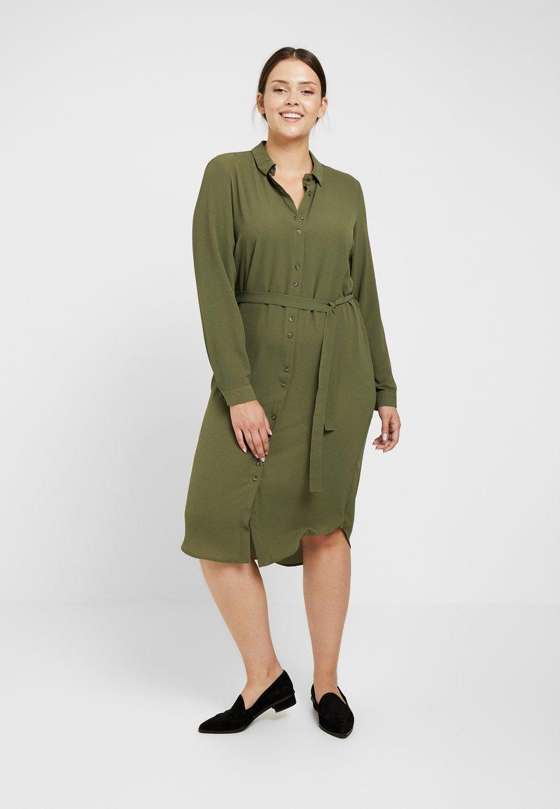 Vero Moda Curve - Vestito estivo - ivy green