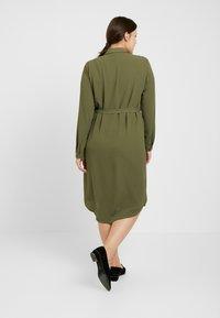 Vero Moda Curve - Vestito estivo - ivy green - 2