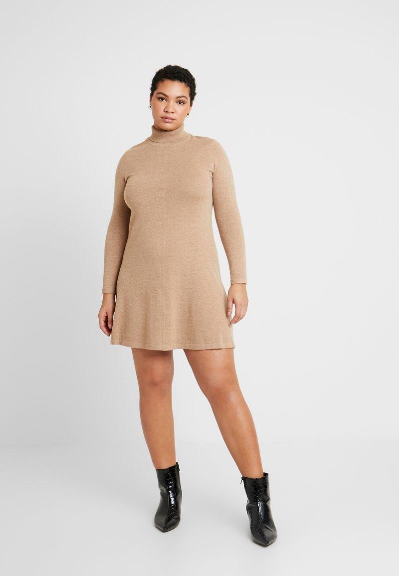 Vero Moda Curve - VMHAPPY ROLLNECK DRESS - Robe pull - tobacco brown/melange