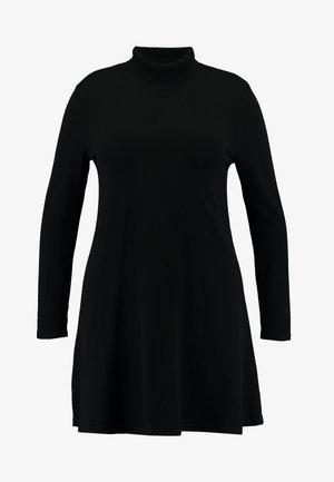 VMHAPPY ROLLNECK DRESS - Pletené šaty - black