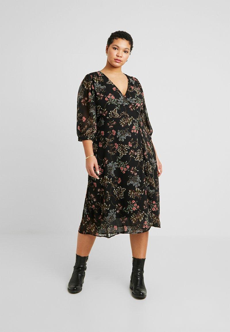Vero Moda Curve - VMJULIE CALF DRESS - Kjole - black/julie